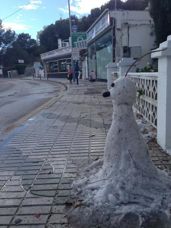 Muñeco de nieve en Almuñecar