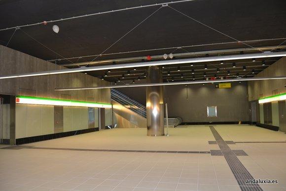 Entrada de la estación de Metro de Málaga