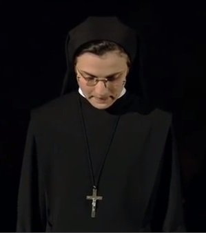 "Captura del vídeo Suor Cristina - ""What a feeling"" de The Voice Of Italy"